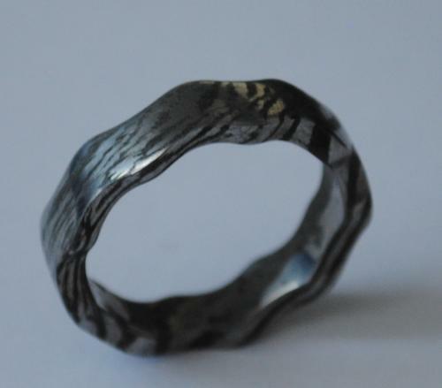 Ring aus einem eigenen Damaszenerstahl