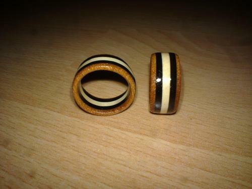 Ringe aus ilex Grenadil und Mahagoni